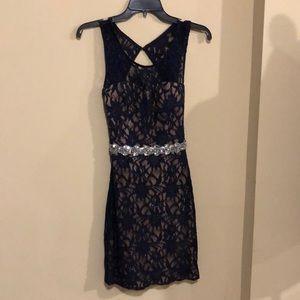 City Studio Lace Formal Dress SZ 5! (A589)